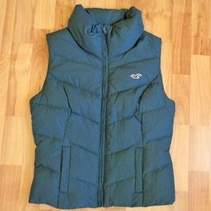 Hollister  65% feather 35% down grey vest